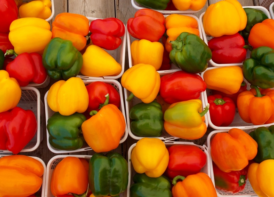 bell-peppers-st-jacobs-market