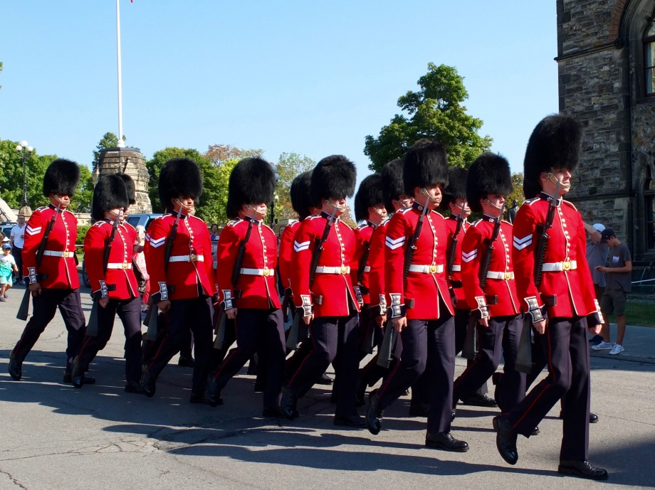 guards-parliament-ottawa-canada-2