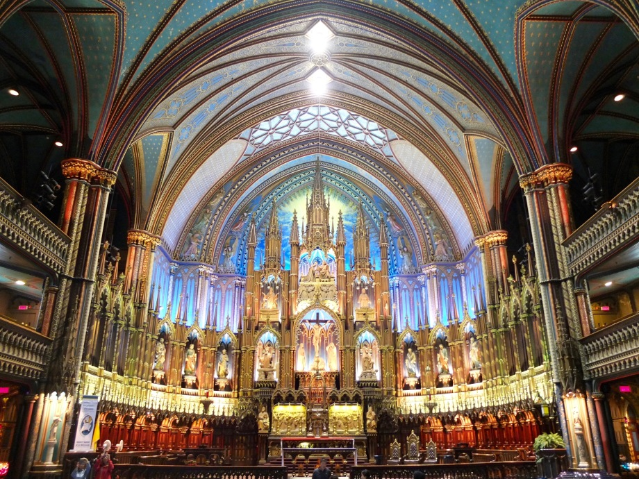 notre-dame-montreal-canada